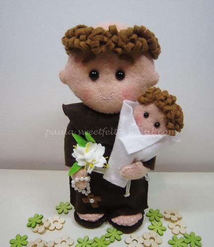 ♥♥♥ Santo António, Santo António Que tens tu de especial? Só sei que na tua festa Há alegria no arraial. by sweetfelt \ ideias em feltro