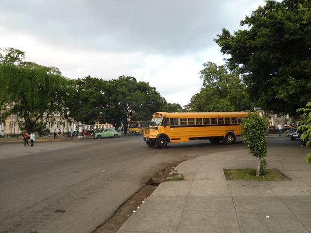 Autobuses escolares usados para el transporte público