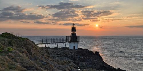sunset lighthouse coast rocks portishead somerset severn goldenhour batterypoint snshdr