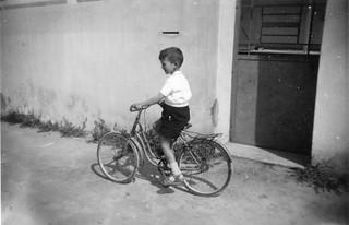 Maroc, dans une rue de Casablanca, vers 1950