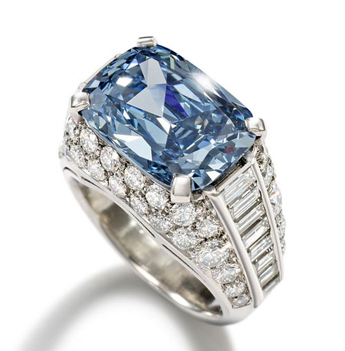 Blue-Diamond-Bonhams peq