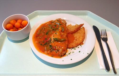 "Zigeuner-Schnitzel mit Rösti & fruchtiger Paprikasoße / ""Gypsy"" schnitzel with roesti & fruity bell pepper sauce"