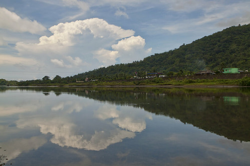 mountain clouds reflections philippines catanduanes 500d 1030am 1755mm batoriver sunhidinclouds