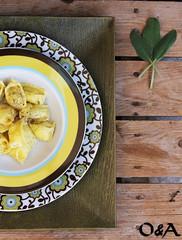 Le raviole del plin allo zafferano (fabiola)con ricotta e fiori di zucca-r