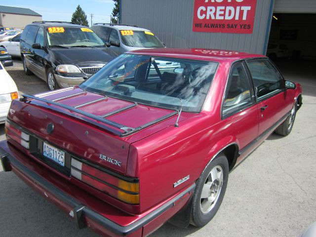 Ef B Z on 1989 Buick Lesabre T Type White