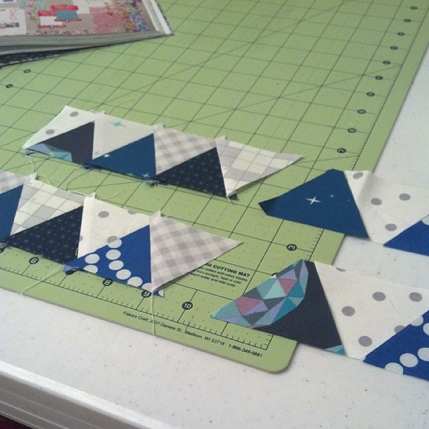 Working on my last 2 triangle borders. This has been easier than I thought it would be. #mmqal #marcellemedallion #selfishsewingweek