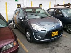 automobile(1.0), citroã«n(1.0), family car(1.0), supermini(1.0), vehicle(1.0), land vehicle(1.0), citroã«n c3(1.0), hatchback(1.0),
