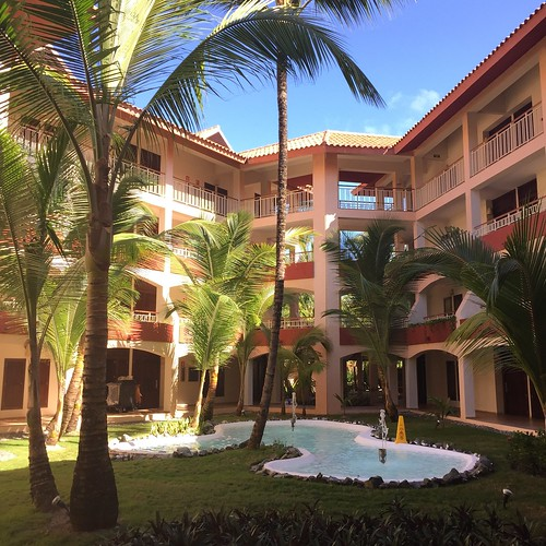 Inner courtyard at the Majestic Elegance