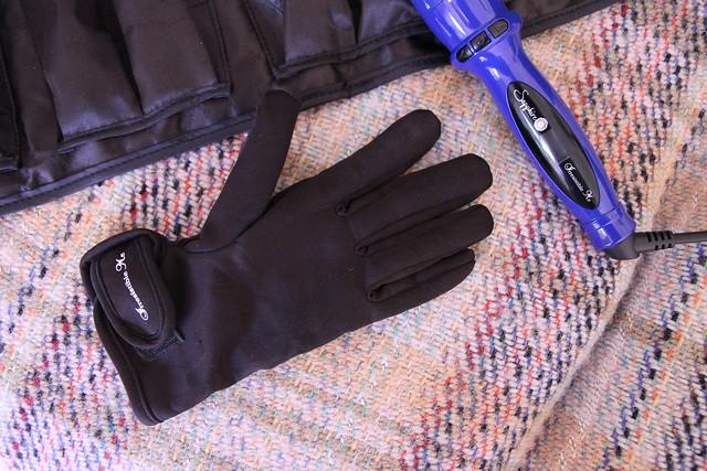 Sapphire 8 in 1 glove
