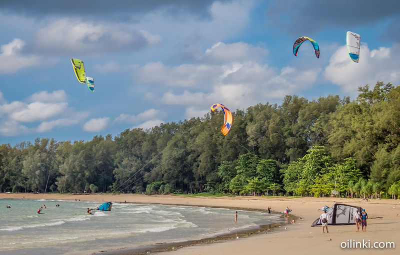 Nai Yang beach during the low season - it's all about kite sailing