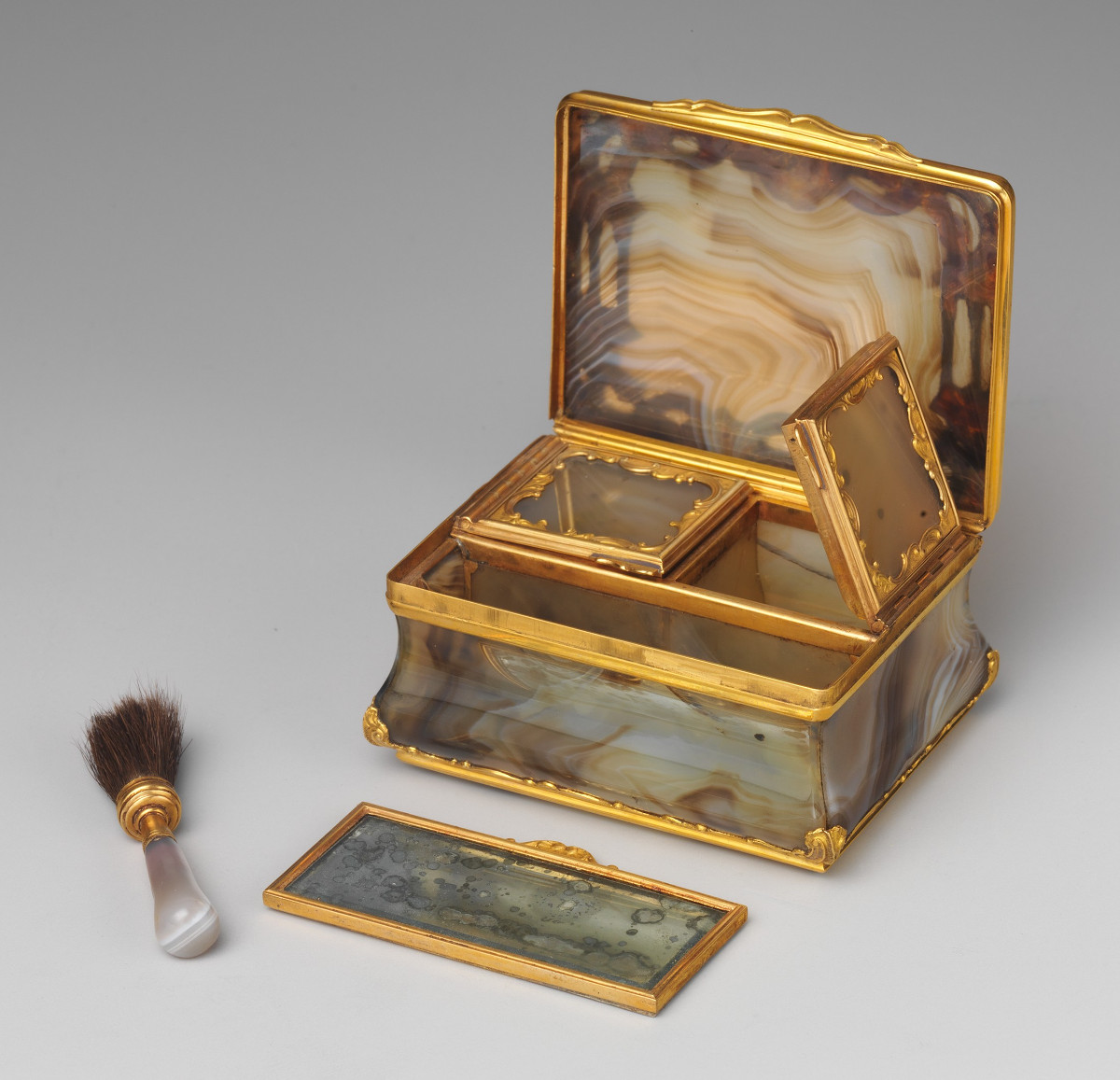 1750. Box for rouge and patches. Gold and platinum. metmuseum