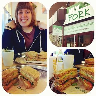 {120605} Who loves hummus sandwiches? WE DOOOOO!!