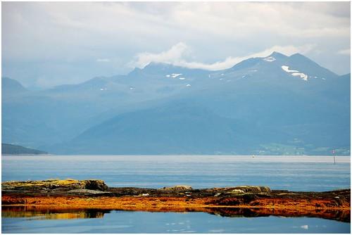 sea seascape mountains norway clouds d50 landscape island mar paisagem nuvens noruega scandinavia ilha montanhas molde fiorde escandinávia moldefjord hjertoya dsc8644