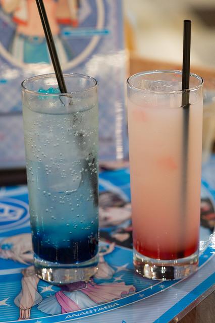 マバマスカフェのドリンク2種