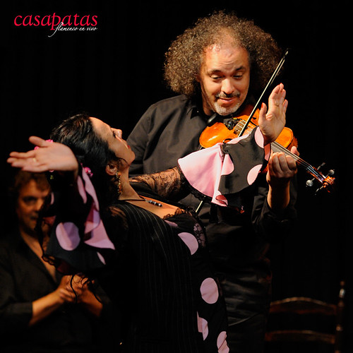 El violinista David Moreira, venezolano y residente en Madrid, con raíces en la música clásica y enamorado del flamenco. Foto: Martín Guerrero