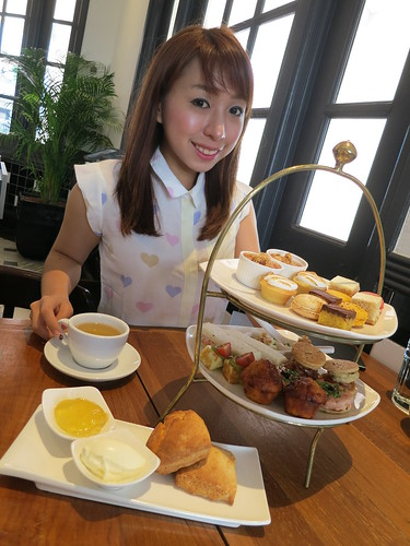 nadnut, Teatime places, Tea sets, Afternoon tea time, Places to have tea in Singapore, Best Singapore Food, Raffles Hotel, Teatime Sets, Romantic Restaurant in Singapore, Romantic restaurants Singapore, Singapore Food Blog, Singapore Food Reviews, singapore lifestyle blog, singapore lifestyle blogger, Singapore's Most Romantic Restaurant, The Halia, The Halia at Raffles Hotel, The Halia Restaurant, The Halia reviews