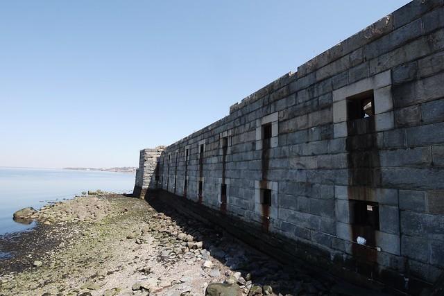 日, 2015-04-12 13:12 - Fort Totten 要塞跡
