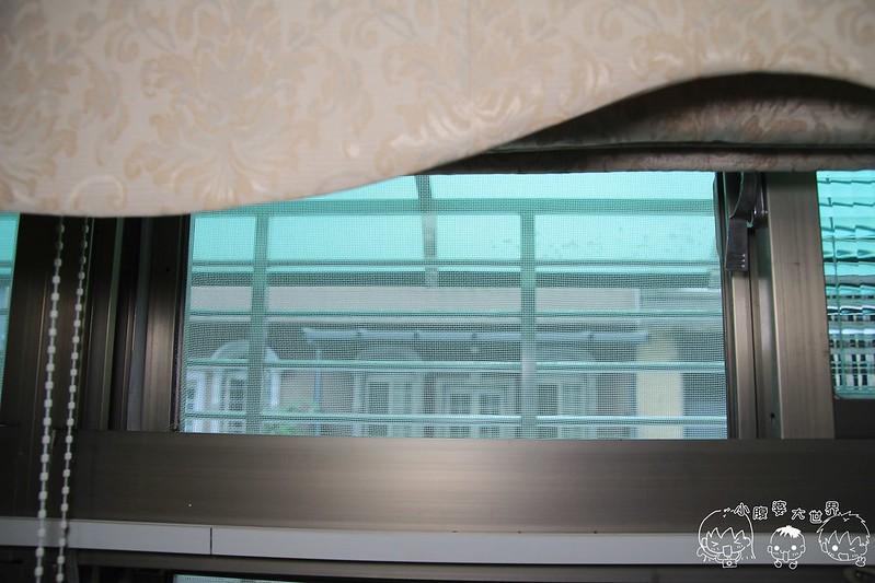 窗台 018