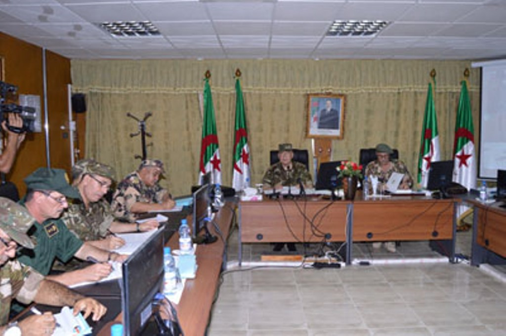 الجزائر : صلاحيات نائب وزير الدفاع الوطني - صفحة 4 30777518485_b5a9af8c8c_o