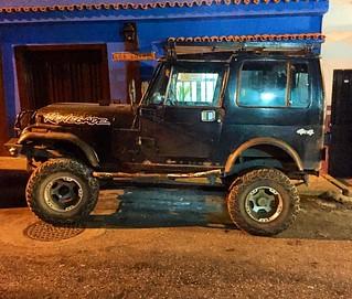 Renegade CJ-7 #jeep #jeeporn #jeepwrangler #4x4 #offroad #morninautos #soloparking #chivera #mopar #moparornocar