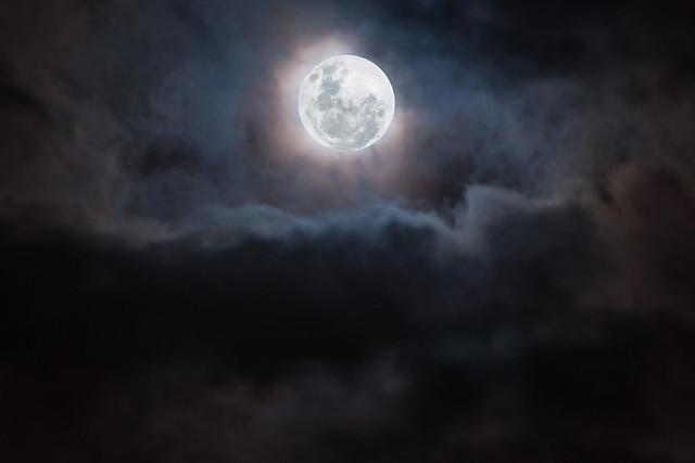 Mysterious Sydney Super Moon