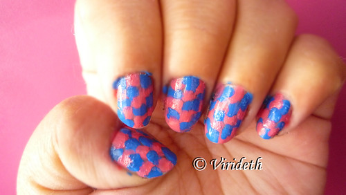 Pink&blue nails by Virideth