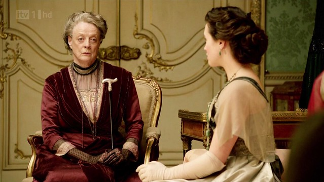 DowntonAbbeyS02E07_Violet_redevening