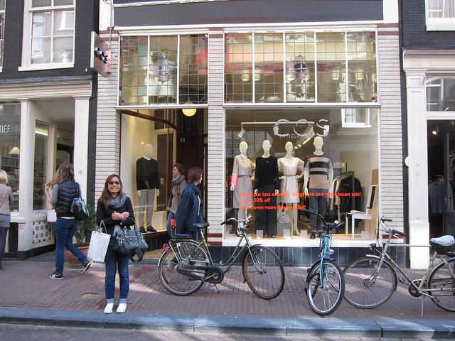 Cos, Amsterdam