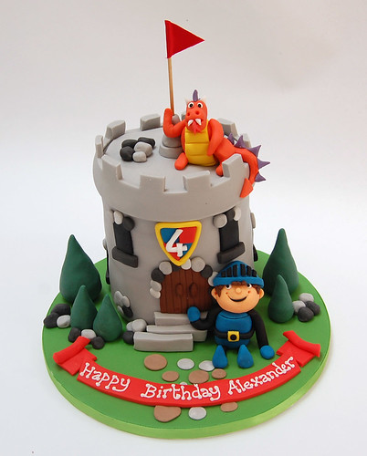 Enjoyable Knights Castle With Dragon Beautiful Birthday Cakes Funny Birthday Cards Online Eattedamsfinfo