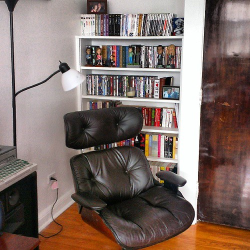 Finally have the perfect chair for my reading corner.