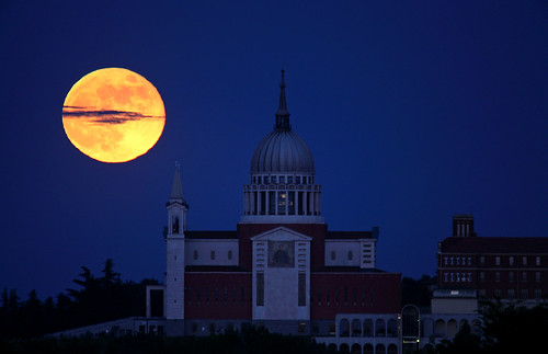 Full Moon and the Basilica