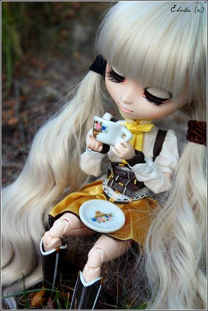 Elisha / Mami's daily tea time