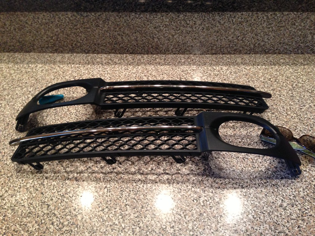 Sold 2007 2008 Acura Tl Type S Lower Bumper Grill Inserts