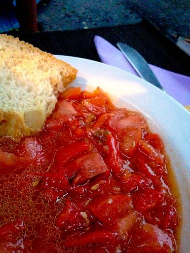 Moje de Pimientos Asados con Tomato y Comino