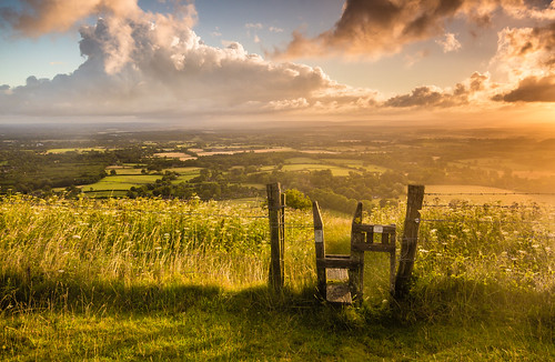 morning light green clouds rural sunrise fence sussex countryside day westsussex cloudy farm country wideangle fields stile southdowns bucolic clouy ditchling