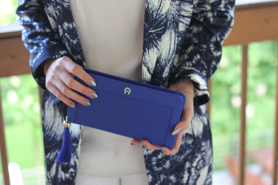 new-in-aigner-blue-clutch-purse-high-fashion-jacket-primark-white-mango