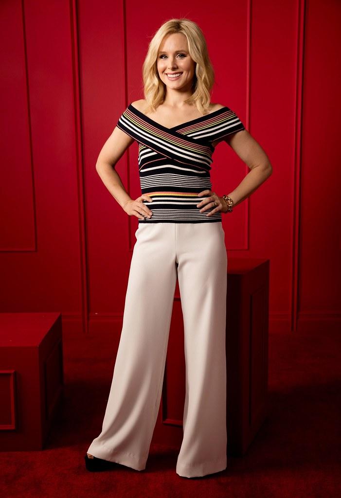 Кристен Белл — Фотосессия для «В лучшем мире» на «Summer TCA» 2016 – 4