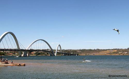 Orla da Ponte JK