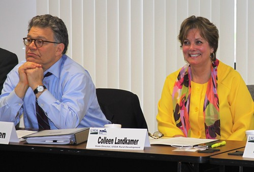 Senator Al Franken and Minn. Rural Development State Director Colleen Landkamer participate in a roundtable meeting on the USDA Rural Energy For America Program.