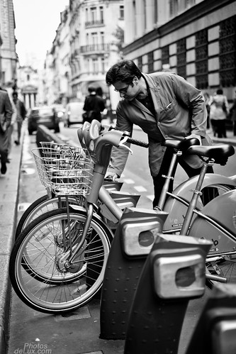 Paris Street Photography No.1 - Fuji X-Pro 1