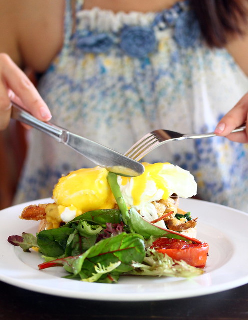 Riders Cafe's Blackstone Benedict with Bacon & Tomatoes, Poached Eggs & Hollandaise