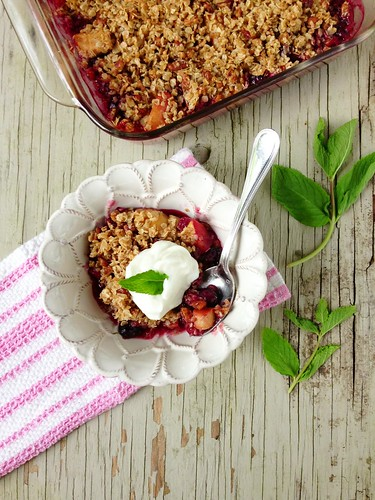 Apple Rhubarb & Berry Crisp via MealMakeoverMoms.com/kitchen