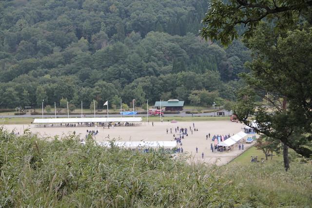 深入山のふもとでは消防団の運動会が開催されていた.