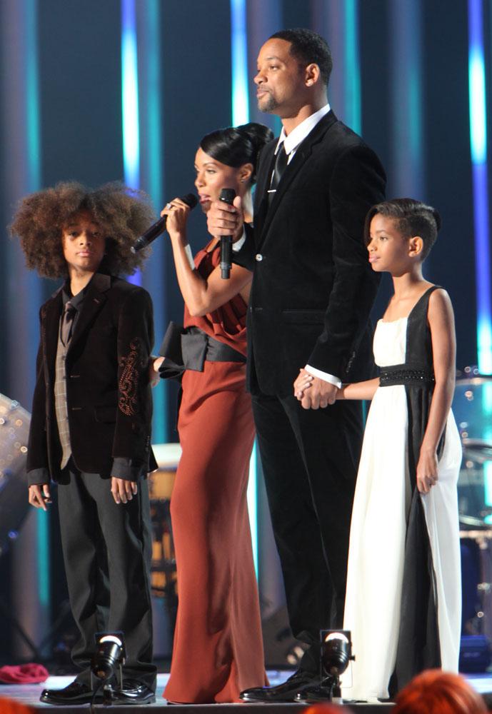 Will Smith and Jada Pinkett Smith with children