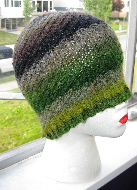 D's hat