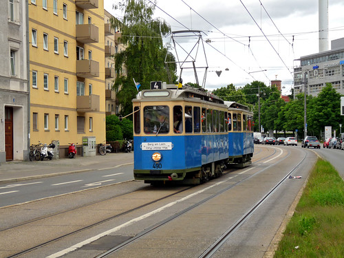 Der Df-Zug erreicht den Haidenauplatz