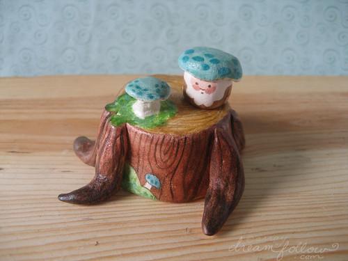 blue mushroom stumphouse