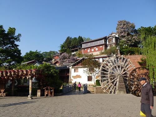 Yunnan13-Lijiang-Yuhe Square (2)