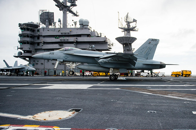 Navy pilot completes 1000th carrier landing of his career
