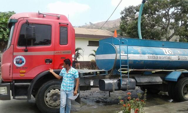 Tanqueros de Petroecuador repartirán agua hasta el 24 de noviembre